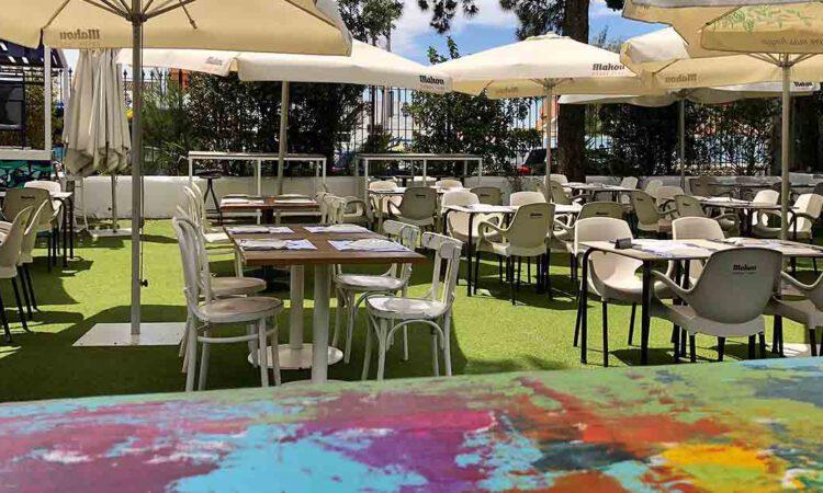 El restaurante Aquarela pone en marcha la Feria 2021 con rebujito, serranito y sevillanas