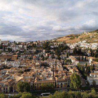 Granada y Huelva capital, además de otros 154 municipios, en riesgo extremo