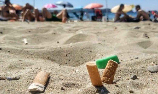 El Puerto acotará espacios en las playas donde esté prohibido fumar