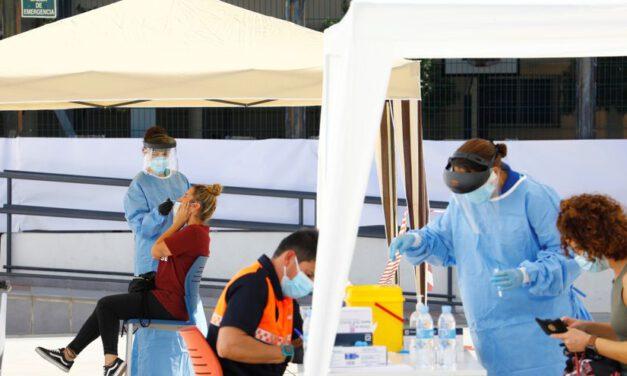 Andalucía notifica 4.754 contagios en un día con 16 fallecidos