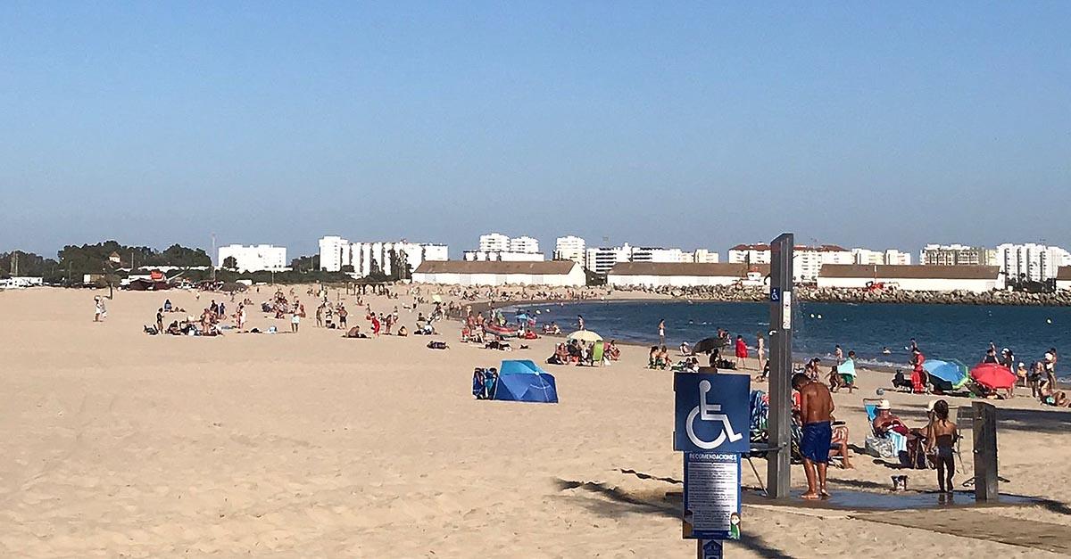 El Puerto renuncia a las banderas azules en sus playas