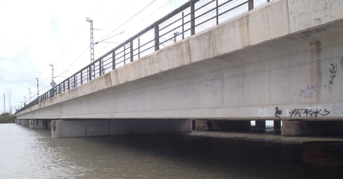 Apemsa inicia las obras de integración del abastecimiento de Valdelagrana en el casco urbano