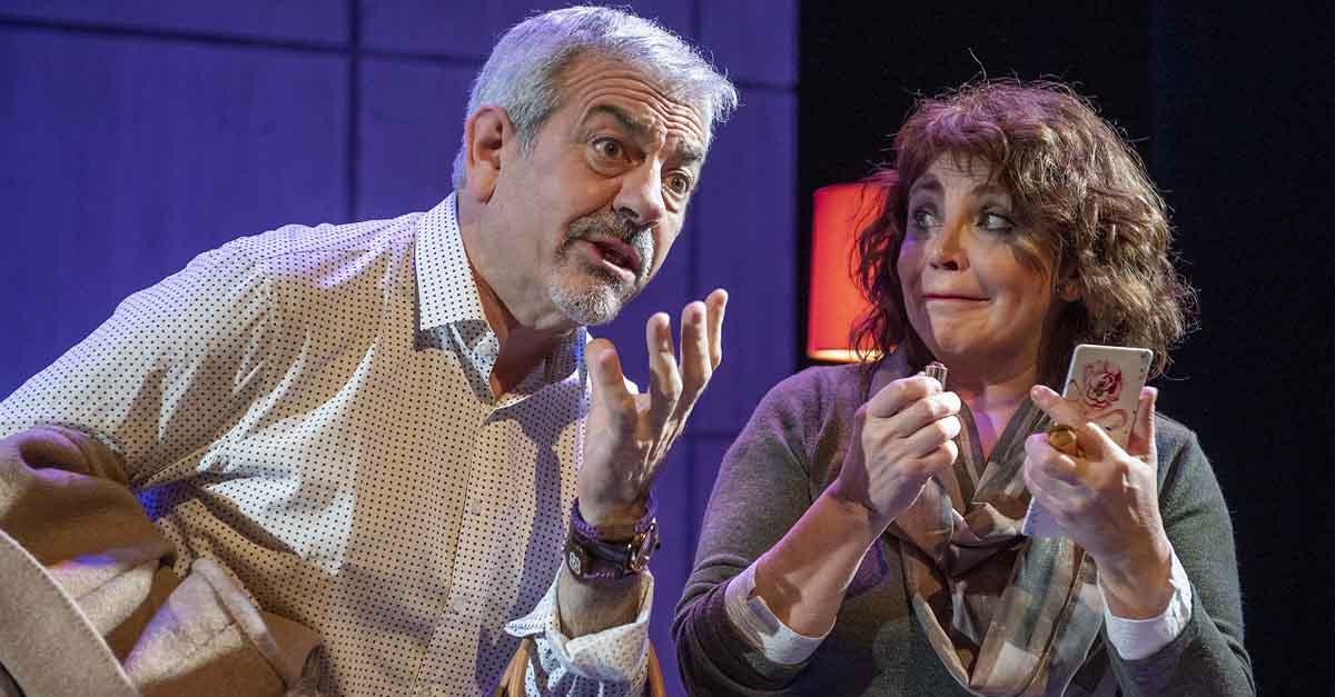 Carlos Sobera y Neus Asensi llegan este fin de semana al Festival de Comedias con la obra 'Asesinos todos'