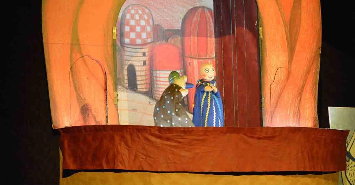 'Garbancito en la barriga del buey', nuevo espectáculo de títeres de este domingo en el patio de San Agustín