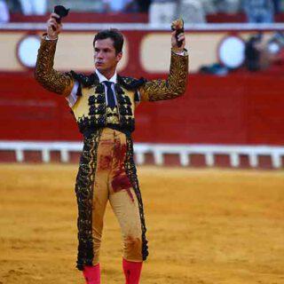 Rotundo triunfo de Daniel Luque y gran faena de dos orejas para Juan Ortega en El Puerto