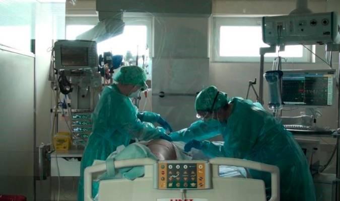 24 nuevos hospitalizados hasta los 797 y los ingresados en UCI bajan hasta 182