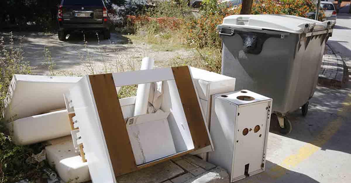 Restablecido el servicio municipal de recogida de muebles y enseres