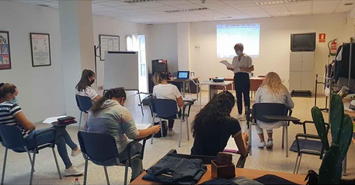 El Programa ERACIS continúa formando en diversas materias a personas desempleadas