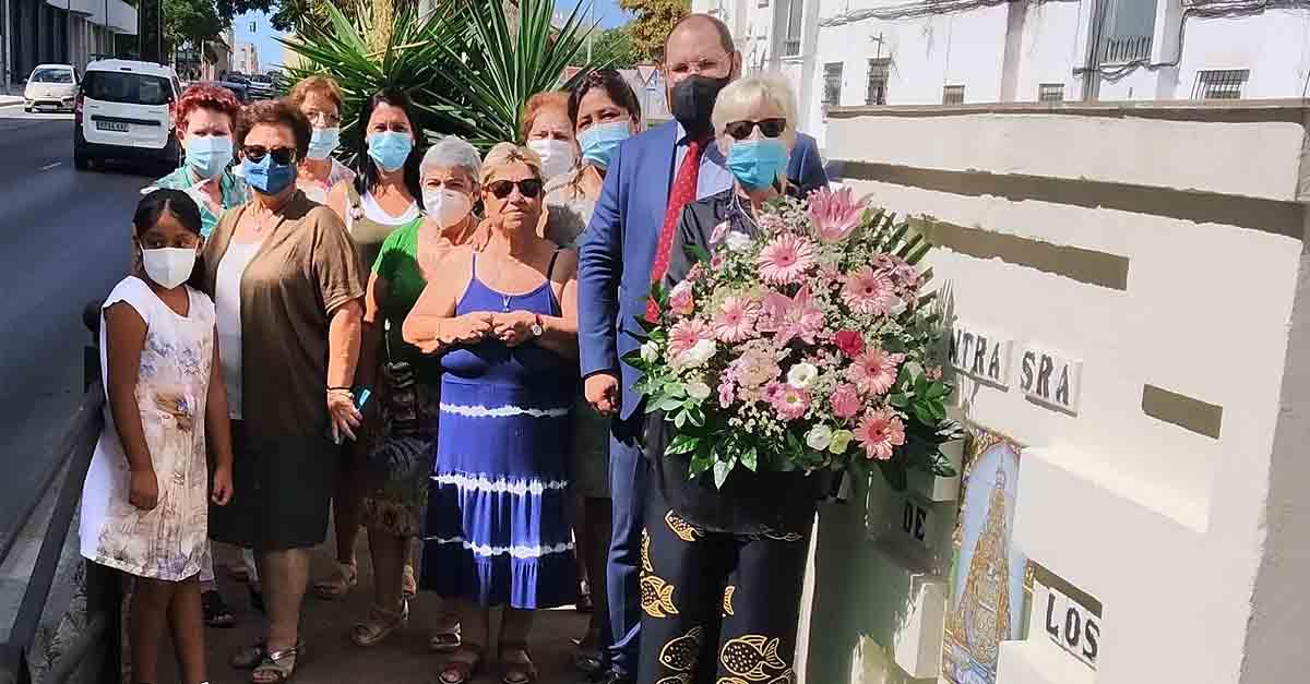 Ofrenda Floral a la Virgen en la Barriada de Los Milagros