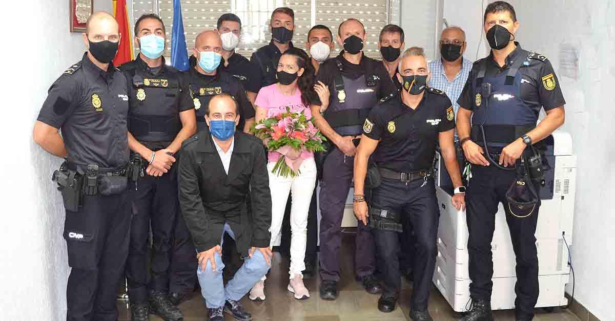 La Policía Nacional recibe un emotivo agradecimiento por parte de una mujer que sufrió en abril una agresión
