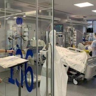 Andalucía suma dos hospitalizados hasta 287 y baja un ingreso en UCI hasta 84
